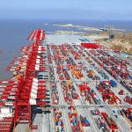 Colapso de puertos chinos agrava el abastecimiento de insumos y dispositivos médicos en Chile